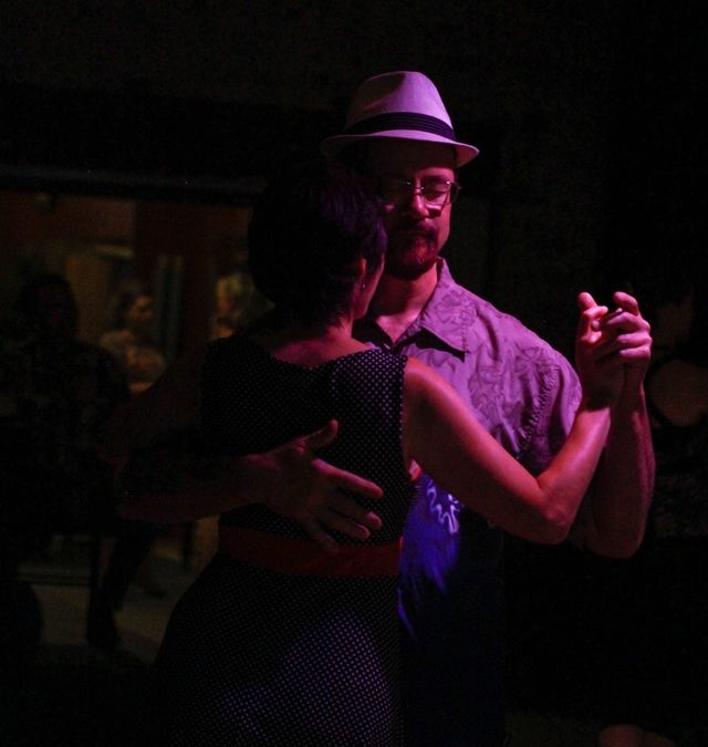Letting tango happen – Integrated movement for tango dancers